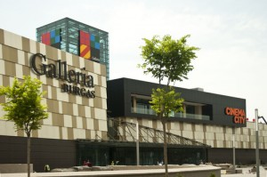 Shopping in Mall Galeria Burgas